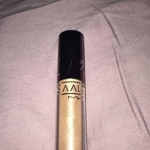 Mac Aaliyah lip gloss - Brooklyn Born